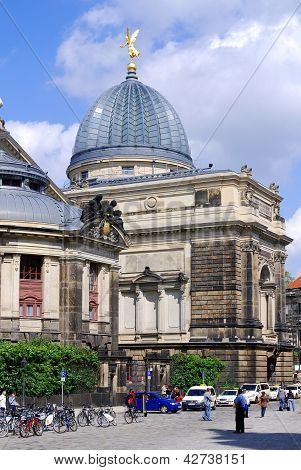 Die Hochschule für bildenden Künste Dresden