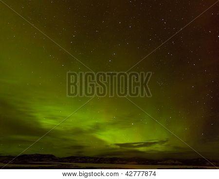 Fulgor verde boreal ou Aurora Boreal