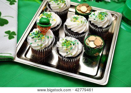 Green Holiday Cupcakes