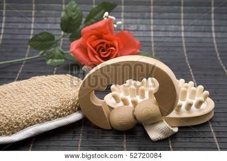 Massage role with sponge