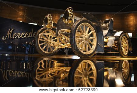 "STUTTGART, GERMANY - MARCH 30, 2014: Museum ""Mercedes-Benz Welt"". Mercedes Simplex 40 PS - 1902"