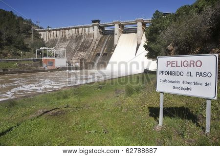 Signpost of prohibition in the embalse de Puente Nuevo near Cordoba Andalusia Spain