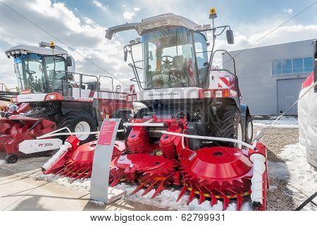 Fodder harvesting RSM 1401 combine