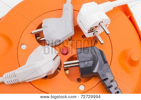 Multi plug and power cables