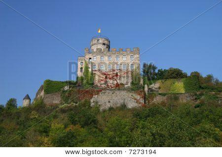 pyrmont castle