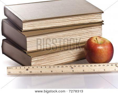 houten liniaal rode appel boeken