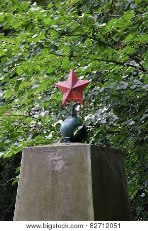 Red Star On Memorial