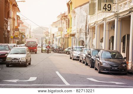 Malaysia, Penang, Georgetown - Circa Jul 2014: Light Trafic On A Typical Street In Historic Georgeto
