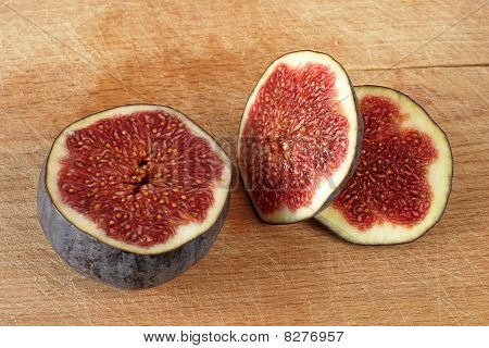 Fig on plank