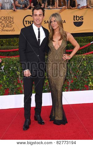 LOS ANGELES - JAN 25:  Justin Theroux & Jennifer Aniston arrives to the 21st Annual Screen Actors Guild Awards  on January 25, 2015 in Los Angeles, CA