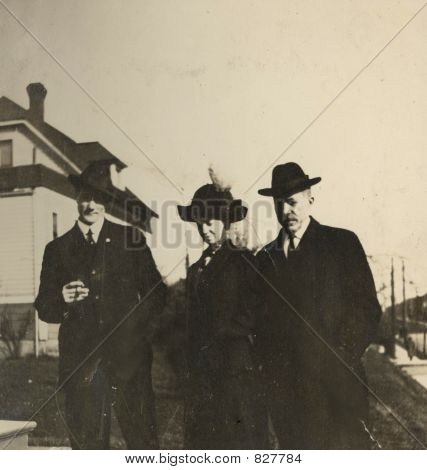 1910 Photo Of 2 Men And A Lady