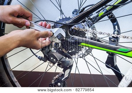 Repairing Bike