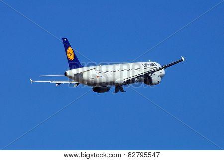 Lufthansa Airbus A321.