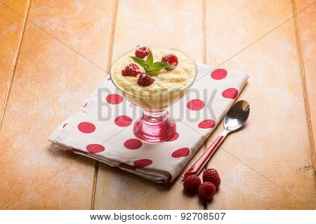 mousse with raspberries and coconut