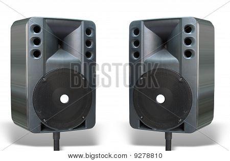 Zwei alte Powerfull Konzert Lautsprecher Isolated On White