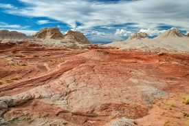 picture of plateau  - Plateau from white and red sandstone - JPG