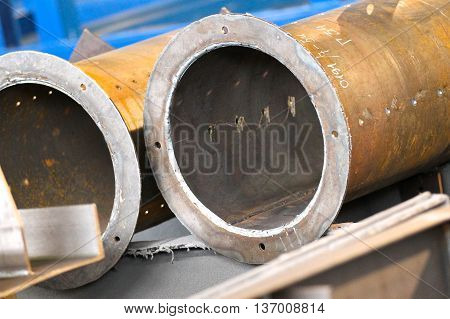 Steel structures of large diameter steel pipes