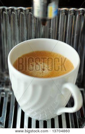 derramar café expresso