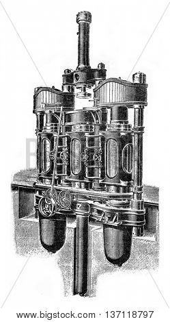 Compound presses battery, vintage engraved illustration. Industrial encyclopedia E.-O. Lami - 1875.