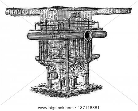 Water jacket round of 30 tonnes, vintage engraved illustration. Industrial encyclopedia E.-O. Lami - 1875.