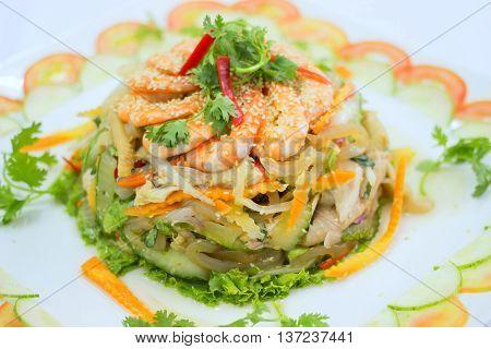 Vietnamese shrimp salad that serving in the restaurant