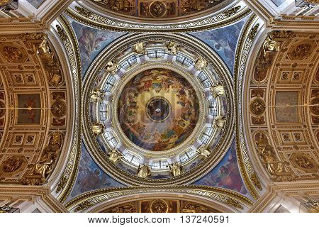 St. Isaac's Cathedral. The interior is decorated with gold. 05.07.2016 / St. Petersburg, Russia.