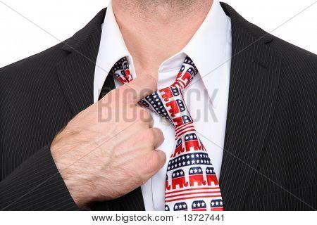 Um homem de senador ou Congresso republicano GOP com laço simbólico