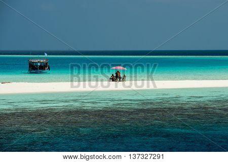Maldives White Sandy Beach Tropical Paradise Landscape