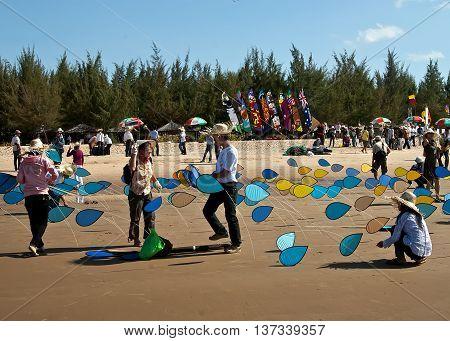 VUNG TAU, VIETNAM, April 26, 2015 International Kite Festival, waters Vung Tau, Vietnam