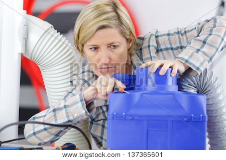 electrical appliance repairs in his office
