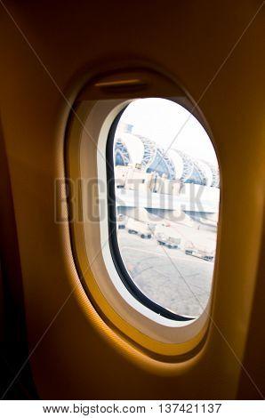 aiplane prepare for takeoff at suvarnabhumi airport