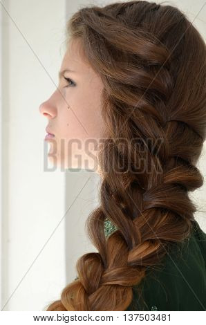 Hairstyle with long hair - girl in eastern dress