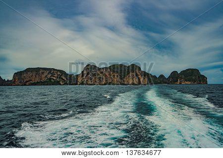 Maya Bay phi phi islands thailand