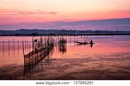 Fishermen, fishing boat, the Tam Giang, Hue, Vietnam, in the dawn
