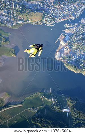 Fun jump skydiving from 12000 ft in Norway