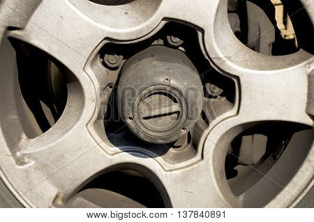 gear wheel drive SUV on the turn wheel
