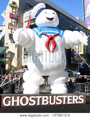 LOS ANGELES - JUL 9:  Ghostbusters Atmosphere at the Ghostbusters Premiere at the TCL Chinese Theater IMAX on July 9, 2016 in Los Angeles, CA