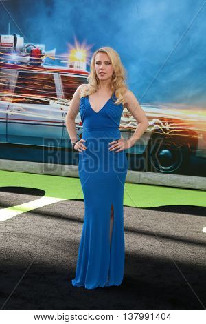 LOS ANGELES - JUL 9:  Kate McKinnon at the Ghostbusters Premiere at the TCL Chinese Theater IMAX on July 9, 2016 in Los Angeles, CA