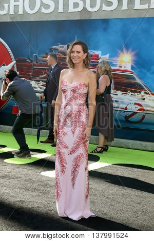 LOS ANGELES - JUL 9:  Kristen Wiig at the Ghostbusters Premiere at the TCL Chinese Theater IMAX on July 9, 2016 in Los Angeles, CA