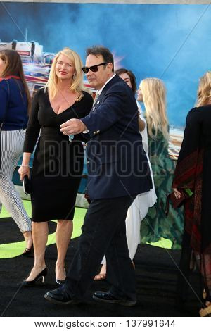 LOS ANGELES - JUL 9:  Donna Dixon, Dan Aykroyd at the Ghostbusters Premiere at the TCL Chinese Theater IMAX on July 9, 2016 in Los Angeles, CA