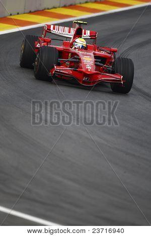 VALENCIA, España - 23 de agosto: Felipe Massa con Ferrari F1, pole position del gran premio de Europa en