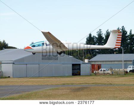 Glider Landing (Type G103 Ii)