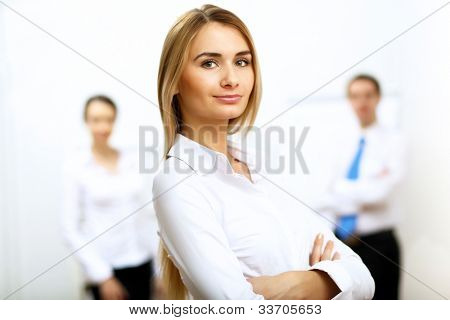 Portrait of a Business Woman in Office-Umgebung