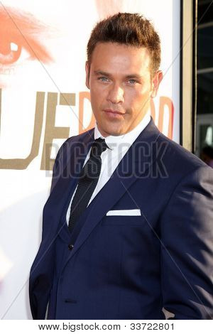 LOS ANGELES - MAY 30:  Kevin Alejandro arrives at the