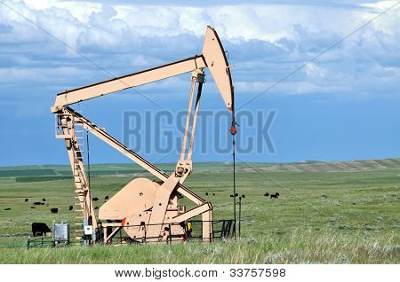 Pumping oil on the prairie