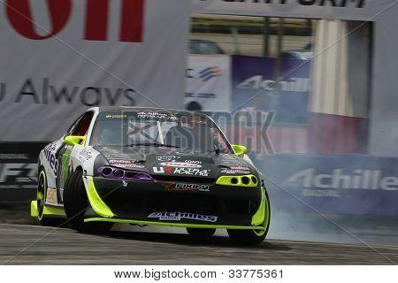 Kuala Lumpur 20. Mai: Muhammad Zaiham Hamdan (Bullzai) aus Malaysia driftet in eine Nissan Silvia s15