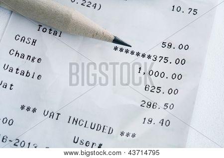 Bill lápis e lista de compras