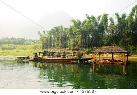 Boat On The River Li In  Guilin Yangshou China
