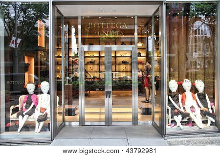 Bottega Veneta Fashion Store