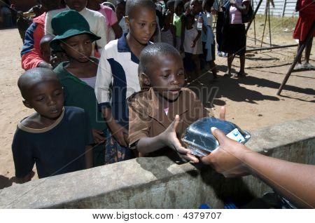 School Feeding In Zimbabwe